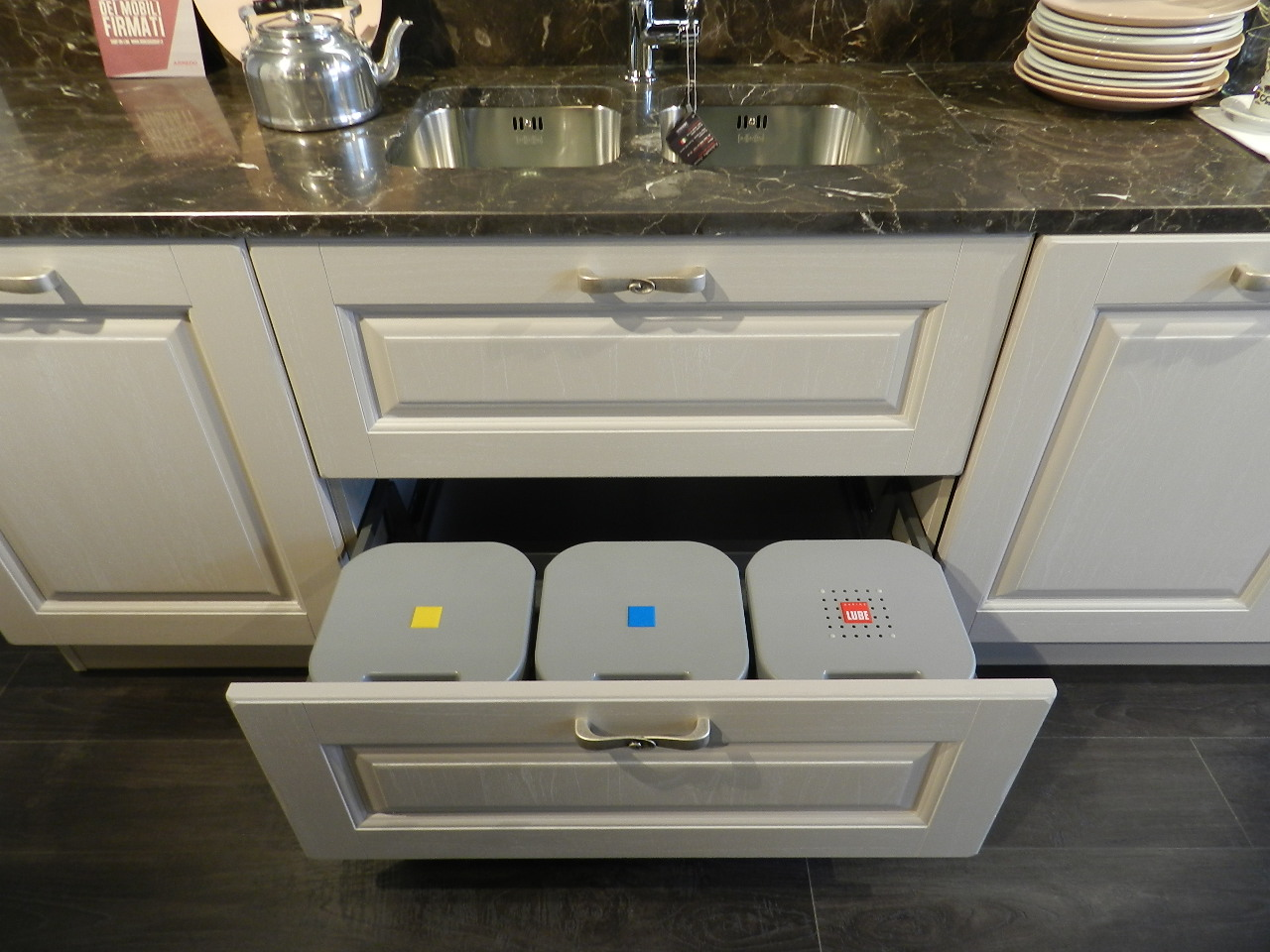 Awesome Cucine Lube Modello Laura Pictures - ubiquitousforeigner ...